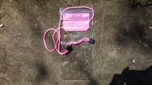 Pouzdro voděodolné Zipper + šňůrka na krk barva růžová